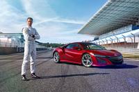 F1ドライバーが新型「ホンダNSX」をドライブの画像