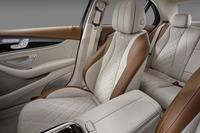 より豪華に仕立てられたシートも新型の自慢のひとつ。試乗車には、ダイヤモンドパターンのステッチが施されたdesigno(デジーノ)シートが装着されていた。
