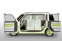 外装色は「こもれびライトグリーン」と「やわらかアイボリー」のツートンカラー。これに合わせて、内装色もコーディネートされている。