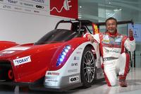 パリダカールラリーで日本人唯一の2連覇を果たした増岡選手。昨年に続き、2013年もEVでパイクスピークに挑戦する。