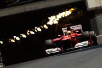 フェルナンド・アロンソ(写真)のフェラーリは5番グリッドからスタートで4位に上がると、ピットストップのタイミングで前を走るルイス・ハミルトンを攻略。最終的に3位でゴールし、チャンピオンシップでも単独首位に躍り出た。チームメイトのフェリッペ・マッサは、苦しいシーズン序盤戦をようやく抜け出したか、予選・決勝とも善戦し6位完走。今年2度目の入賞を果たした。(Photo=Ferrari)