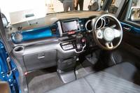 運転席まわりのデザインは、基本的に「N BOX」と変わらない。