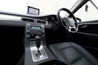 2010年モデルはステアリングホイールのデザインも一新された。また、「ノルディック」には、最新の安全技術をパッケージにした「セーフティパッケージ」(25万円)を採用。追突軽減オートブレーキシステムや、ACC(アダプティブ・クルーズコントロール)/車間警機能、ドライバー・アラート・コントロール/レーン・ディパーチャー・ウォーニング、BLIS(ブラインドスポット・インフォメーションシステム)などが装備される。