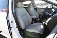 新型燃料電池車のフロントシート。