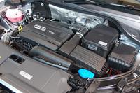 出力別に2種類がラインナップされた2リッターターボエンジン搭載車は、出力と燃費の向上が図られた。