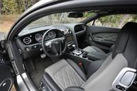 シートや内装の内張りのカラー、インストゥルメントパネルの素材はたくさんの種類から選ぶことができる。
