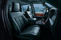 1列目シートにはシートヒーター&クーラー、2列目シートにはシートヒーターが採用されている。