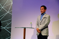 独BMWからはデザイナーの永島譲二氏も来日。最近発表されたコンセプトカーを題材に、BMWのデザインについて語った。