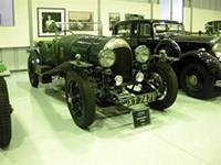 白洲次郎がケンブリッジ大学留学中に所有していた1924年製「ベントレー 3リッター」。白州次郎は親友のロビンとともに、25年の冬、ヨーロッパ大陸に12日間のツーリングに出かけている。