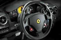 ステアリングホイールには、走行モード選択スイッチ「マネッティーノ」を備える。