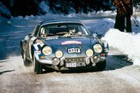 アルピーヌの代表的なモデル「A110」。 1973年のモンテカルロラリーで、アルピーヌA110は1〜3位を独占。その年、WRC初代コンストラクター・チャンピオンに輝いた。(写真=ルノー)