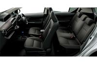 「アクアG」(オプション装着車)のインテリア(ディープブラウン・スエード調ファブリックシート表皮)。
