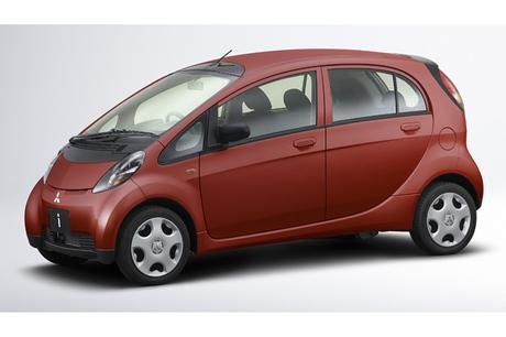 ……105万〜161万7000円いま注目の「軽自動車」を、小沢コージがまとめて取り上げる。それぞれのクルマの「...