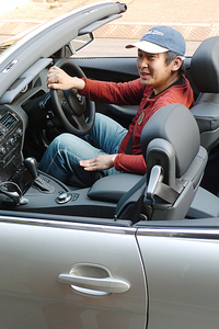 自動車ジャーナリストの金子浩久