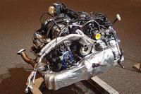 「718ボクスターS」に搭載される、2.5リッター水平対向4気筒ターボエンジン。可変ジオメトリー機構付きのターボチャージャーを備え、最高出力350psを発生する。
