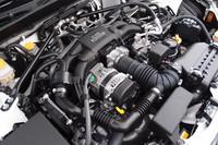 エンジンは、スバルの「FB20型ユニット」をベースに、燃焼室のボア×ストロークを変更(86×86mm)したもの。トヨタの直噴システムも組み合わせ、リッターあたり100psの最高出力を手に入れた。