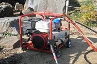 スーパー工業の超高圧洗浄機「SER-1230i」。