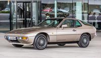 一連のFRモデルの嚆矢(こうし)となった「924」。ネッカーズルムにあるアウディの工場で生産が行われた。