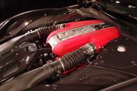 6.5リッターV12エンジンは、最高出力800psを発生。最大値の80%にあたるトルクを、3500rpmで生み出す。