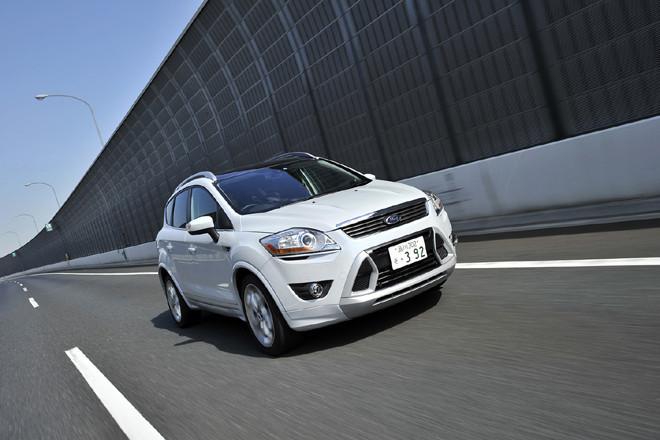 フォード・クーガ インディビデュアル(4WD/5AT)【短信】