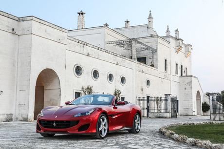 フェラーリの新しいV8GT「ポルトフィーノ」に南イタリアで試乗した。この「カリフォルニアT」の後継モデル...