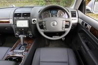 フォルクスワーゲン・トゥアレグV8 (4WD/6AT)【試乗速報】