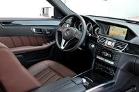 「E400ハイブリッド アバンギャルド」のシート表皮は本革が標準となる。
