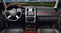 クライスラー、300Cにお買い得な「左ハンドル」モデルを追加。