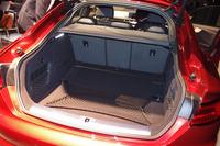 「A5スポーツバック」の荷室容量は486リッター。3分割式の後席を倒すことで、さらに拡大できる。