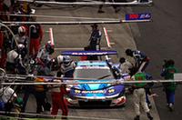 No.100 RAYBRIG NSXを駆る細川慎弥はGT500ルーキー。にもかかわらず冷静なレース運びでライバルのSC勢を押さえ込んだ。(写真=本田技研工業)