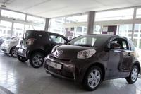 イタリアのトヨタ販売店に展示された「iQ」。