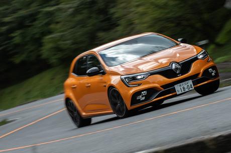FF市販車ニュル最速の座を奪還すべく、新たなエンジンやデュアルクラッチ式AT、4輪操舵システムなどを手に...