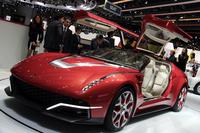 イタルデザイン-ジウジアーロの近作から。2012年のジュネーブショーで発表したコンセプトカー「ブリヴィド」。