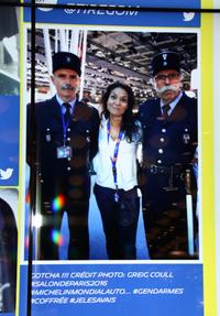往年の警察車両を展示する「警察保存友の会」のメンバー(後述)。彼らは知る人ぞ知る人気者で、あのミシュランのブースにも写真が掲示されていた。