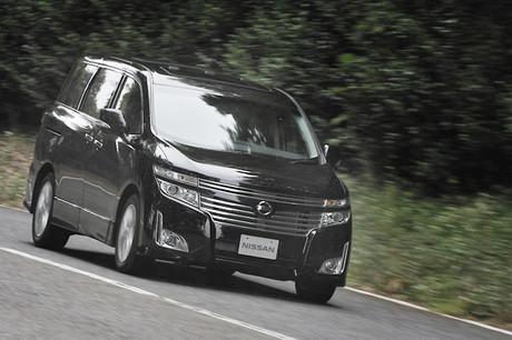 日産エルグランド350 Highway STAR Premium プロトタイプフルモデルチェンジに先だって、日産の新型エルグ...