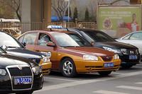 北京のタクシーの多くは北京ヒュンダイの旧型「エラントラ」だ。