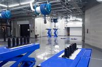 地下に設けられた整備工場。