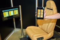 スマートフォンやタブレットでポジションやヒーター、マッサージ機能などがコントロールできるシート。個人のセッティングがスマホに記憶されるので、携帯していればいちいちシートを調節する必要がない。