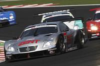 GT500クラスで優勝したNo.38 ZENT CERUMO SC430(立川祐路/リチャード・ライアン組)