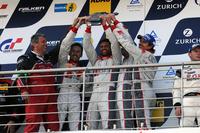 「アウディR8 LMS ultra」を擁したフェニックスレーシングが今年のニュル24時間を制した。