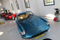 「ムゼオ・エンツォ・フェラーリ」はフェラーリ傘下となったあと改装が行われ、生家の1階には常設展として、往年のモデルが並べられている。