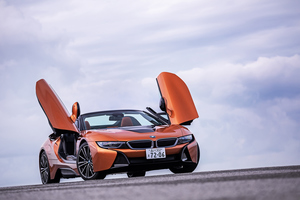 BMW i8ロードスター(4WD/6AT)【試乗記】