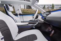 【パリモーターショー2016】メルセデスがEV専用モデル「ジェネレーションEQコンセプト」発表の画像