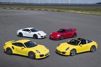 ポルシェのブランドイメージをけん引する「911」シリーズ。サーキットを意識した超高性能モデルからオープンカーまで、バリエーション豊かに取りそろえられる。