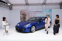東京・代官山で催された発表会では、俳優の伊勢谷友介氏とモデルのクリスウェブ佳子さんによるトークショーも行われた。