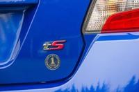 「最強のアスリートモデル」を目指して仕立てられたという「スバルWRX S4 tS」。最高出力300ps/最大トルク40.8kgmはベース車両から変わっていないが、吸排気系のチューニングにより、加速中のエンジントルクが最大で10%強化されている。