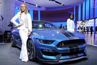「フォード・マスタング」の高性能モデルである「シェルビーGT350R」。よりパワフルな「シェルビーGT500」のデビューも控えている。