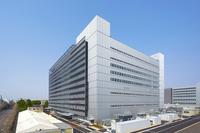 トヨタは2013年、ユニット関係の開発効率を高めるために「ユニットセンター」と呼ばれるビジネスユニットを立ち上げ、「パワートレーン共同開発棟」(写真)を完成させた。今回のエンジン群は、ここが手掛けた最初の製品となる。
