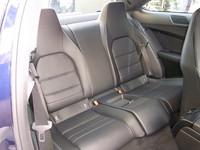 後席は、2座独立タイプ。乗車定員は4名となる。