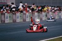 2003年、K-TAI(250ccのヤマハミッションカート)で総合優勝! 写真はイケノヒラ本人。